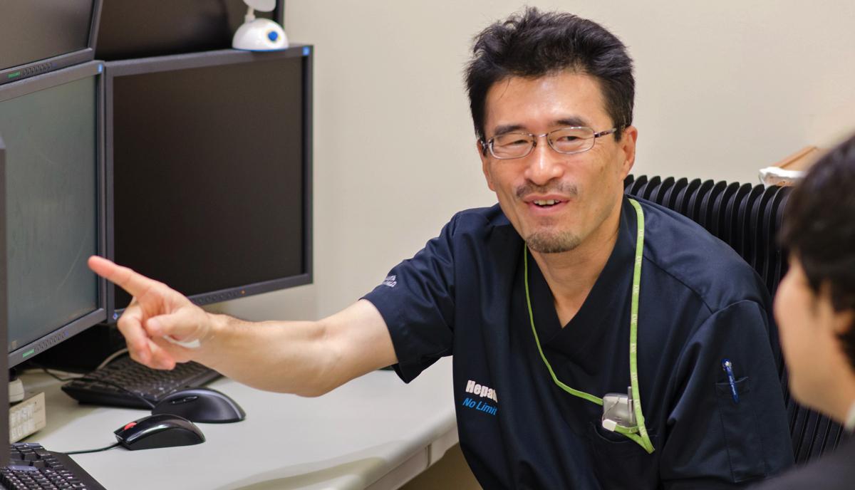 寺谷卓馬医師の写真01