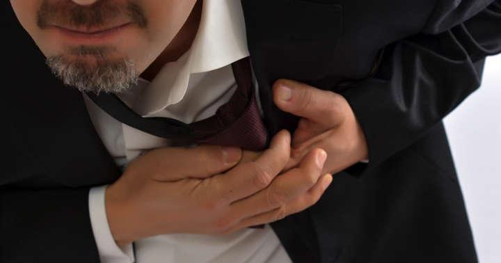 胸に刺さった3本目の釘をどうやって取り出すか?の写真