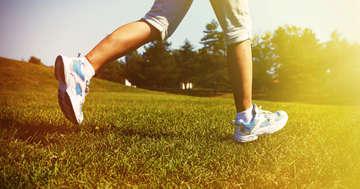熱中症予防のためには、運動を控えることも必要の写真