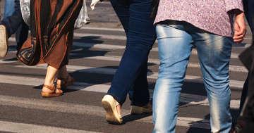 歩くと痛みで立ち止まってしまう「間欠性跛行」は運動で改善するか?の写真