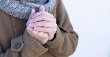 寒い日、指が真っ白になる「レイノー現象」に高血圧の薬が効く?の写真