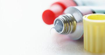 アトピー性皮膚炎の抗炎症薬外用剤にJAK阻害薬「デルゴシチニブ軟膏」が登場:ステロイド外用薬・タクロリムス軟膏との違いとは?の写真