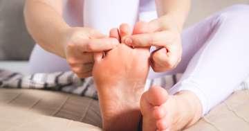 痛みで歩けなくなる前に、「大人の扁平足」を治す方法とは?の写真