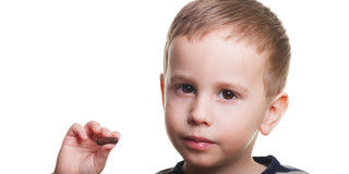 子どもの感染症、注射の代わりに飲み薬でも治せる?の写真