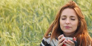 カモミールティーを飲む習慣が甲状腺がんのリスクを下げる?の写真