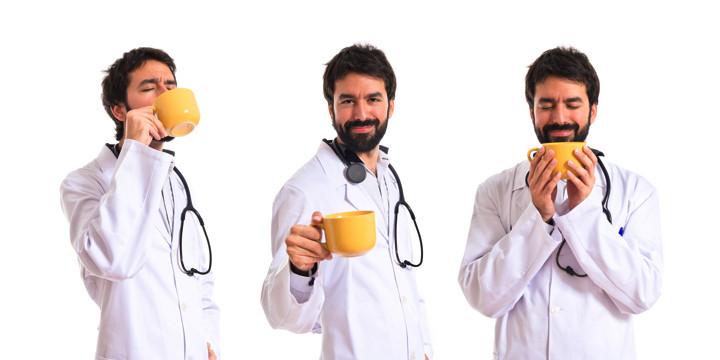 1日3〜4杯のコーヒーを飲む人は死亡率が低いの写真