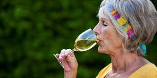 「ほどほどのお酒はカラダにいい」はホント?の写真