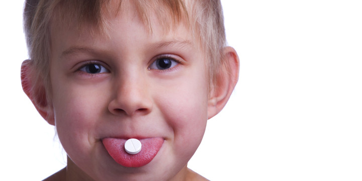 薬をうまく飲めない子どもに、うまく飲ませる5つの方法の写真