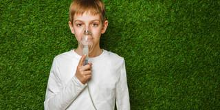 喘息の子どもを持つ親に電話で情報提供の写真