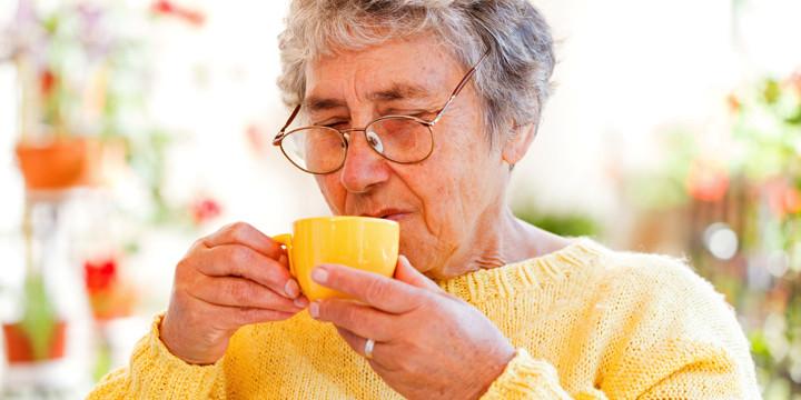1日6杯のコーヒーを飲む女性は、胆のうの手術が4割少なかったの写真