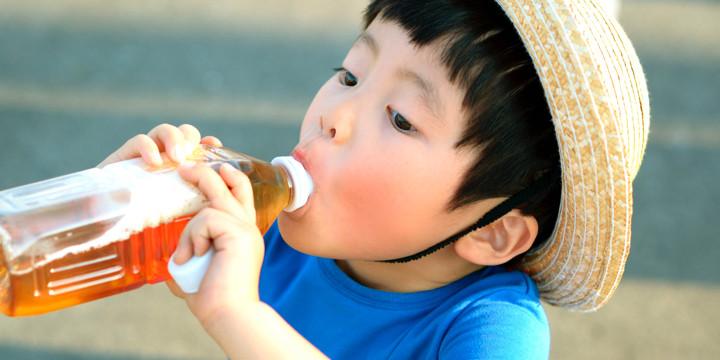 タバコの吸い殻、ペットボトルに入れるのはちょっと待って!の写真