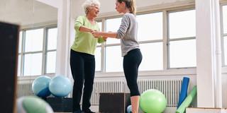 高齢者の大きな危険、転倒を防ぐ「摂動トレーニング」の効果とは?の写真