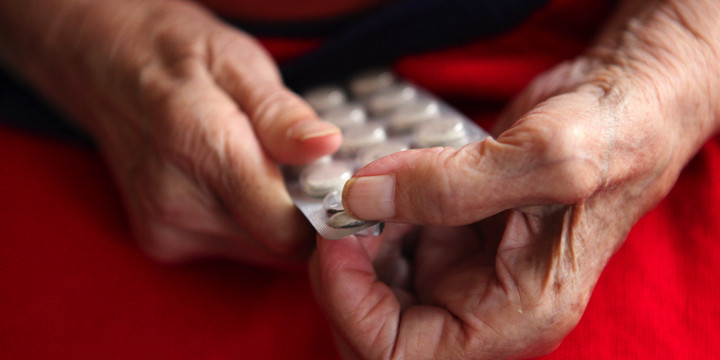 血液をサラサラにする抗凝固薬、65歳以上の人で副作用に違いが?の写真