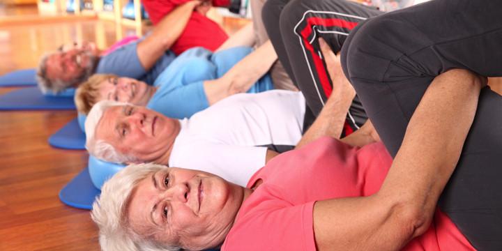 パーキンソン病患者がもっと歩けるようになる、チャレンジングなトレーニングに効果ありの写真