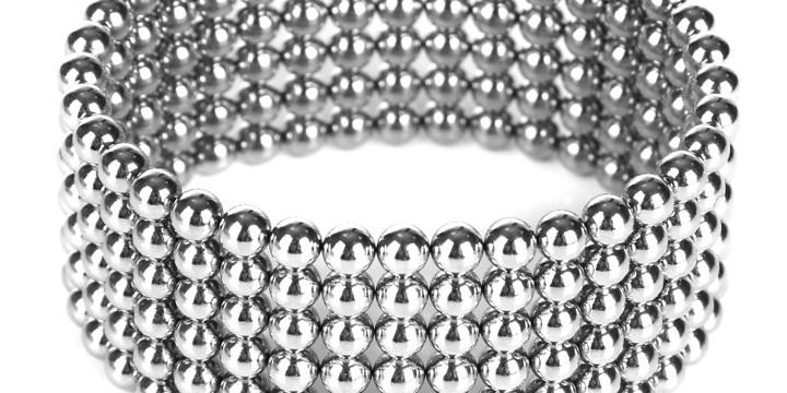 磁石のリングが逆流性食道炎を止めるの写真