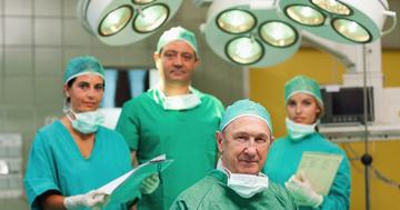 手術室で働く人々(手術室の中シリーズ①)の写真