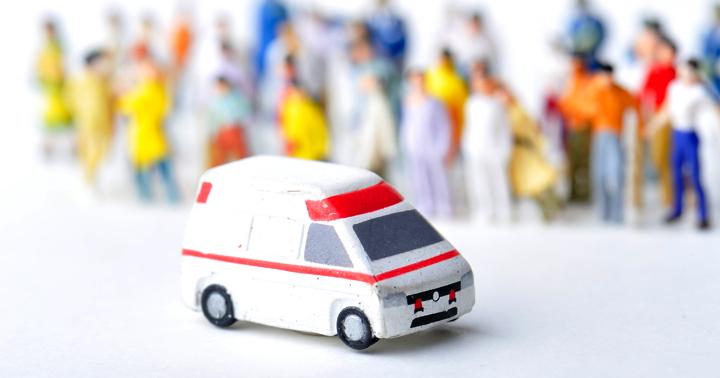 急性アルコール中毒で救急車。その後どんな治療が?の写真