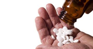 ビタミンDが多すぎると変形性股関節症に悪影響?人工股関節置換術との関連の写真