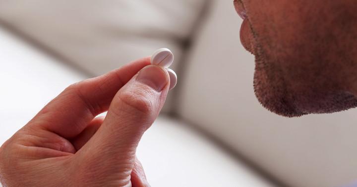 男性ホルモンの働きを抑える薬の副作用、「酢酸シプロテロン」による薬剤性肝障害の報告の写真