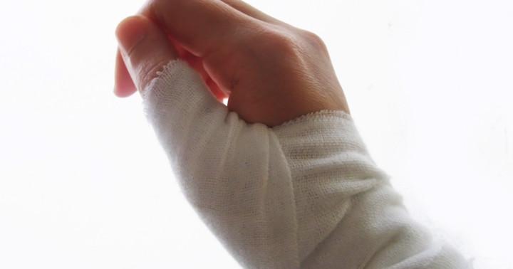 腱鞘炎の痛みには、注射と親指の固定の組み合わせがより効果的 の写真