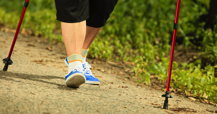 パーキンソン病患者が運動しながら脳に電気刺激を行うと、歩く速さとバランス機能が改善した の写真