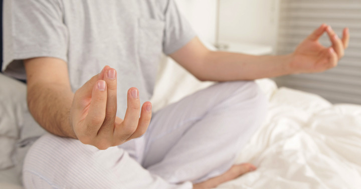 慢性的な不眠には、瞑想が有効 の写真