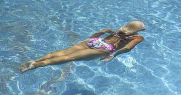 血圧を下げるために一番効果的な泳ぎ方は?軽度の高血圧女性を対象とした効果 の写真