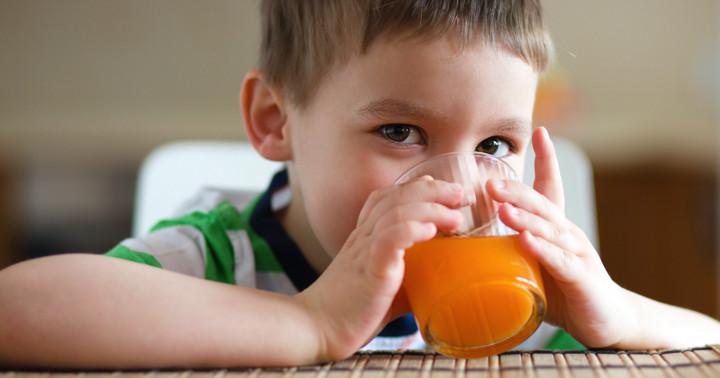 100%ジュースを多く飲んだ子どもはその後…?の写真