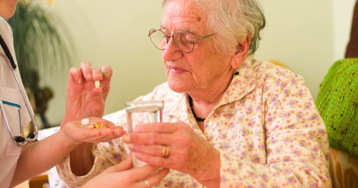 痛風発作の治療にはNSAIDsがステロイドと同じ程度に有効の写真