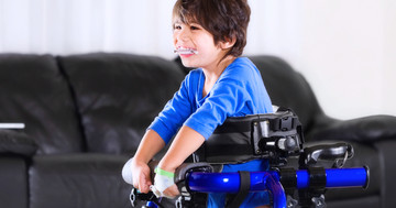 両麻痺の脳性麻痺児に対する全身振動トレーニングは筋力とバランスに有効 の写真 (C) Jaren Wicklund - Fotolia.com