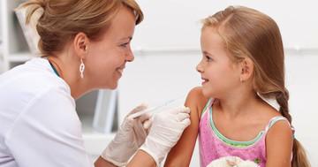 混合ワクチンで6種類をまとめて接種、破傷風・百日咳・ジフテリア・ポリオ・Hib・B型肝炎の写真