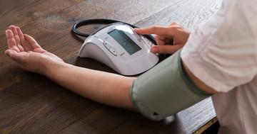 家庭血圧は医療者に測ってもらう血圧よりも心血管死亡リスクに強く関連している の写真