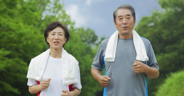 血圧を下げる生活習慣は食事の改善、有酸素運動、アルコール制限、食塩制限、魚油サプリ の写真