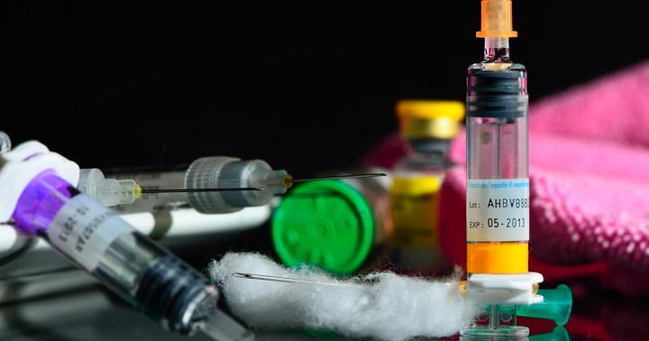 潰瘍性大腸炎、クローン病の治療に使う抗TNF薬、副作用の頻度は?の写真