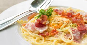 コレステロールが多くビタミンC、食物繊維が少ない食生活に、脂肪肝との関係あり の写真