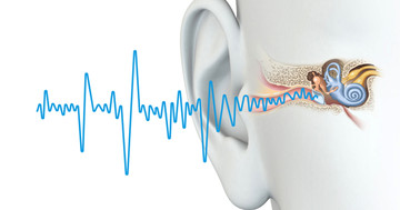 頭に電気刺激を行い、耳鳴りを治療 の写真