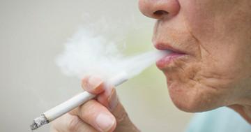 喫煙者では脳梗塞とくも膜下出血が多いの写真