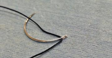 縫い針から変化を遂げた手術用の針(手術用器械シリーズ③)の写真