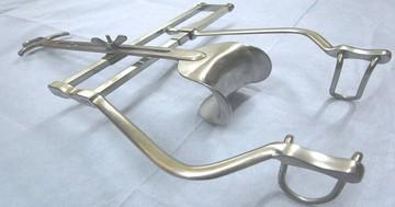 術野を見やすくするための道具(手術用器械シリーズ⑥)の写真