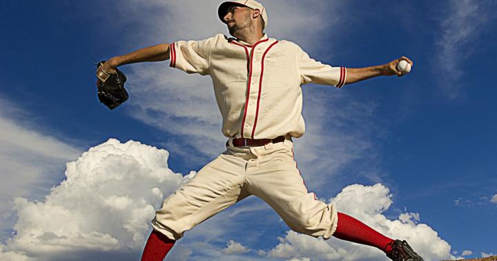 投手は肩の動く範囲が狭いとけがが多いの写真