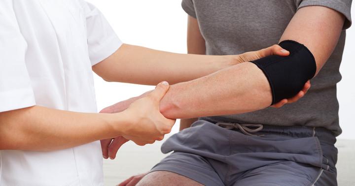 テニス肘の痛み改善に、より有効な筋力トレーニング法の写真