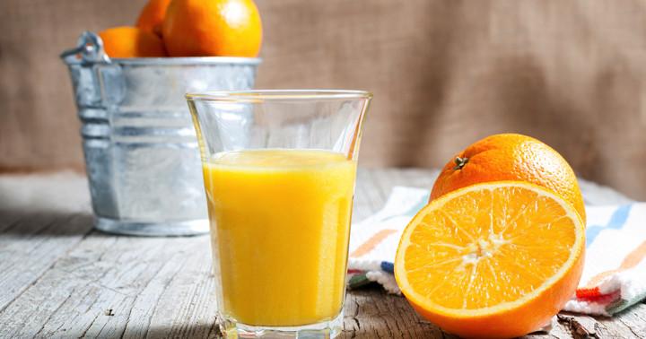 認知機能を改善する飲み物、フラボノイドが豊富なオレンジジュース の写真