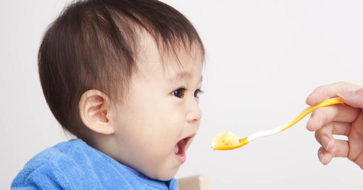1歳で色々な物を食べさせると3歳で好き嫌いが少なくなったの写真