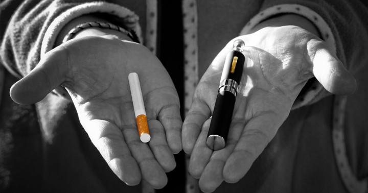 電子タバコを吸っている人は喫煙者になりやすいの写真