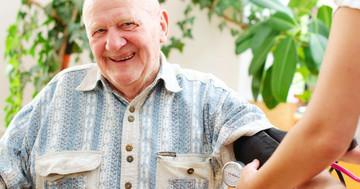 脳出血後の血圧は最高血圧140mmHg未満を目標にすると重度の機能障害が少ない の写真