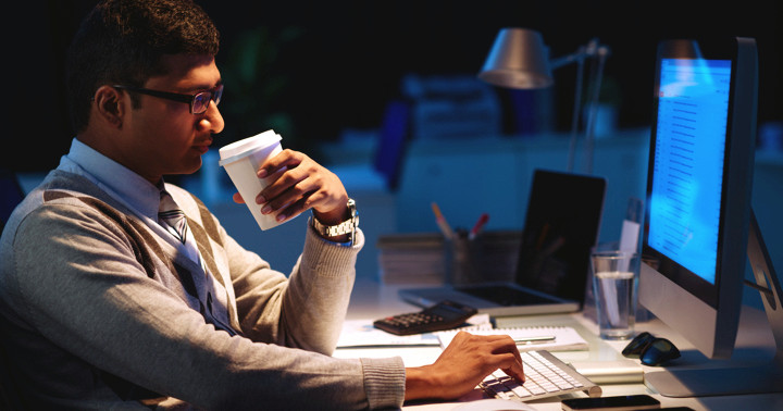 カフェインを寝る前に飲むと体内時計がずれる の写真