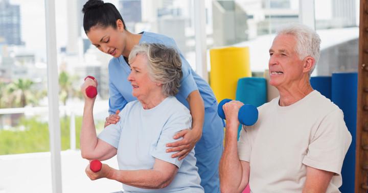 筋力トレーニングでは、セット間隔の休憩は何分が効果的? の写真