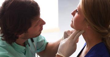若い女性に多い慢性甲状腺炎(橋本病)の原因となるウイルス、その働きは?の写真