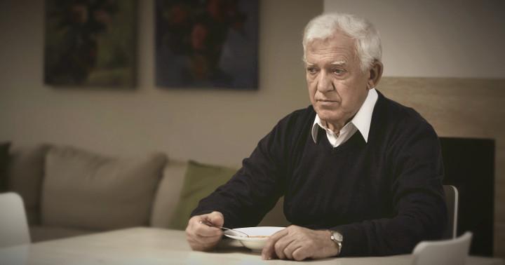 高齢者のひとり食事と独居は何に悪いか? の写真