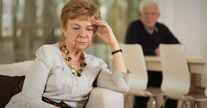 アルツハイマー病患者の介護は配偶者のほうがストレスが大きい の写真